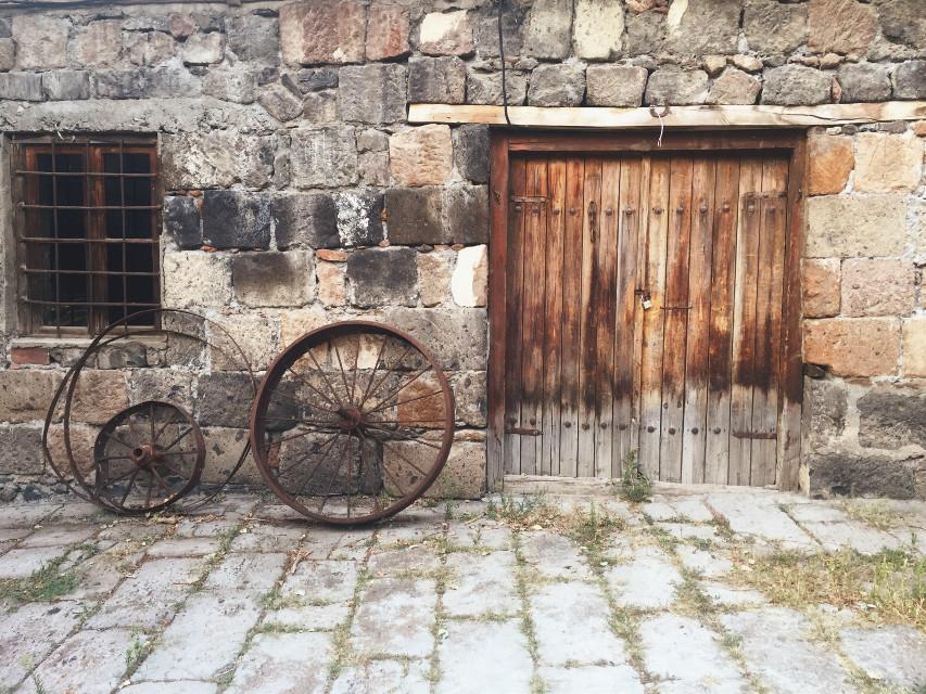 Take me back to 🇦🇲 Hayastan #FreeToEdit #wheel #old #armenia #composition #nature #wood
