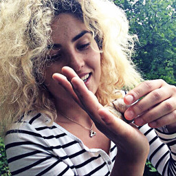 portrait curly girl blonde funny freetoedit
