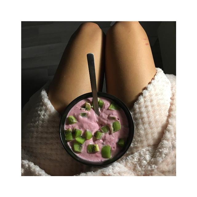 Good morning ☺️  #food #foodporn #yummy #yummi #girl #legs #morning
